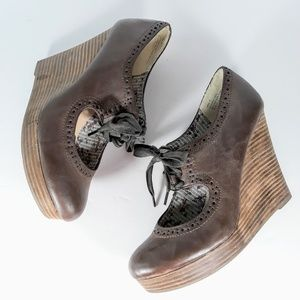 White Mountain Brown Leather Oxford Wedges